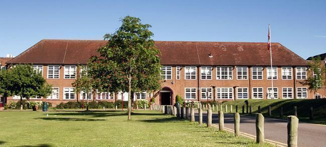 brockenhurst college front