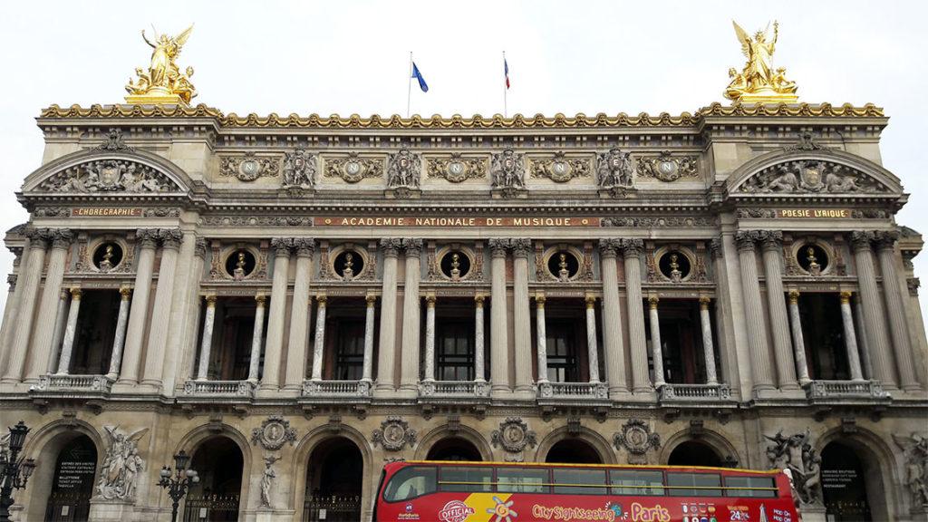 Fachada da Académie Nationale de Musique em Paris