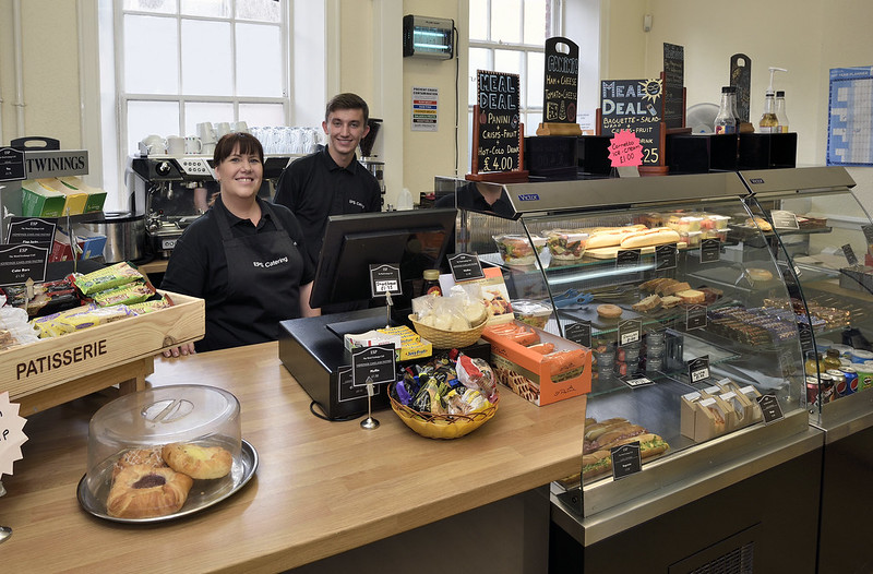 Cafeteria da escola em Liverpool